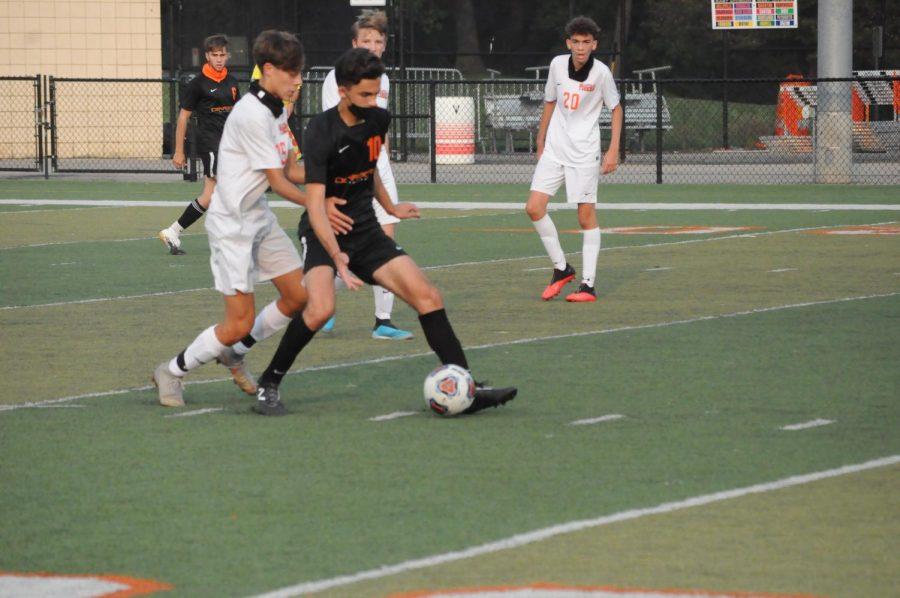 Soccer_boys_varsity_v_Belleville_home_9-15-2020_Hussain A (391)